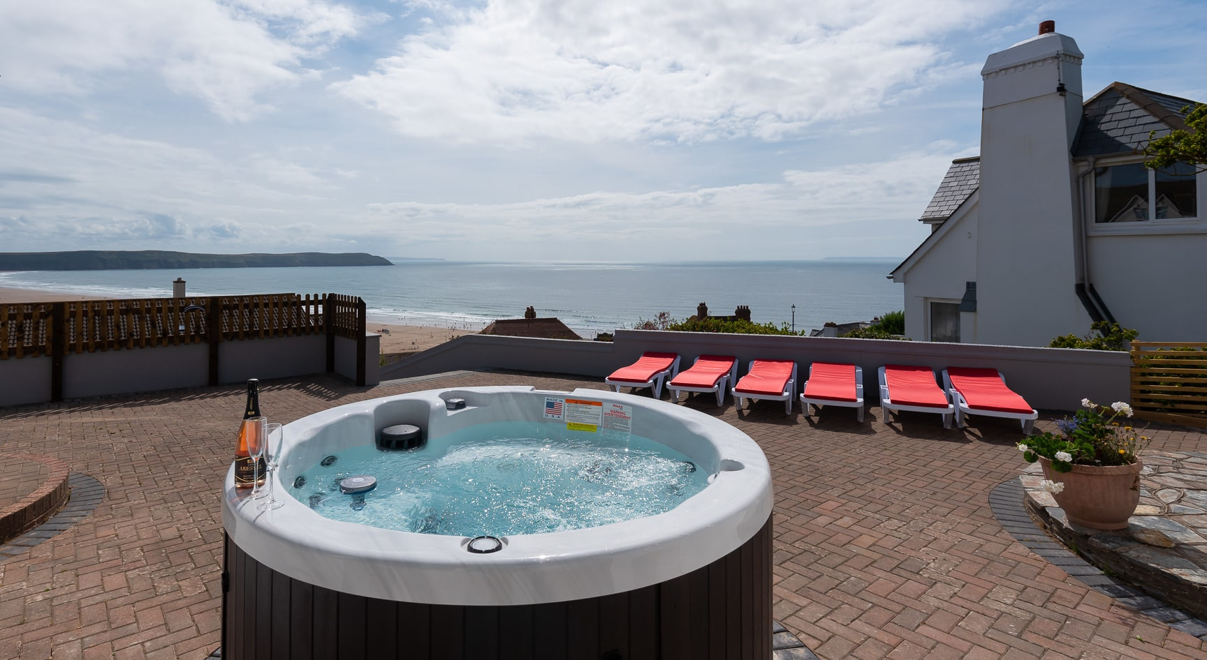 Coast View Hot tub